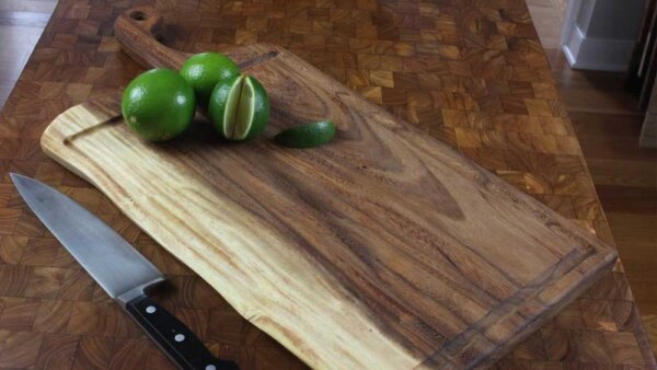 EXTRA LARGE CUTTING BOARD WITH JUICE GROOVE
